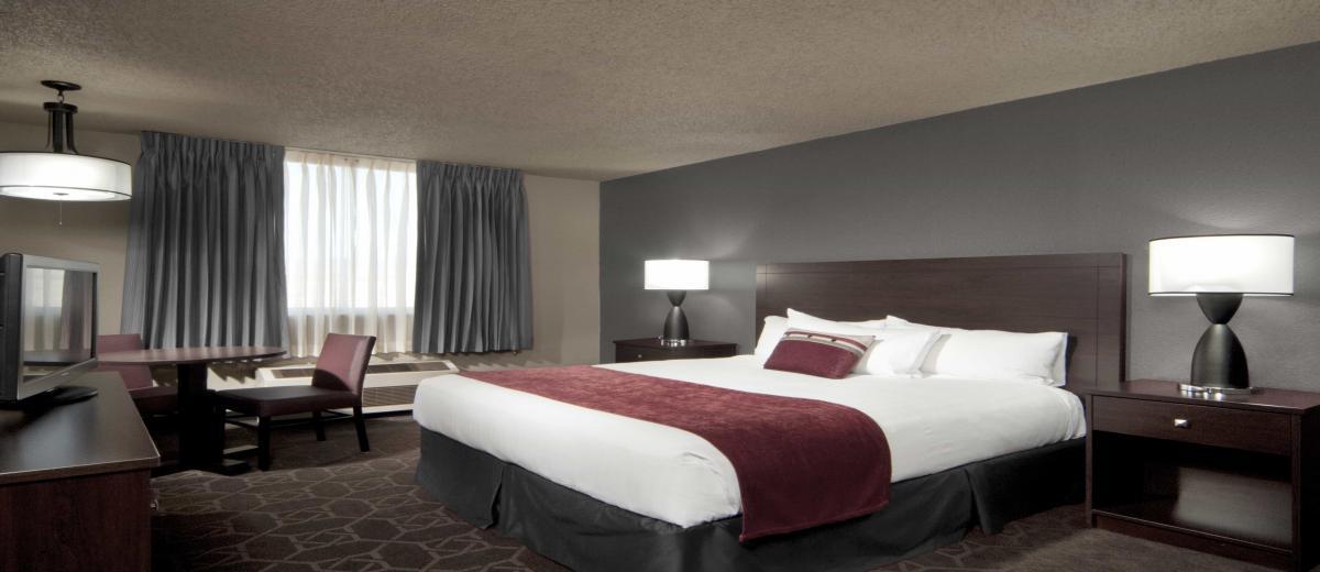 Accommodations at Edgewater Hotel & Casino Resort